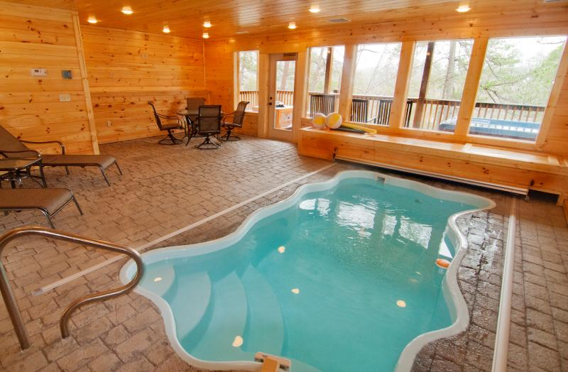 STA-Awhile - 3BR/3.5BA, Sleeps 10, Private Pool - Image 1 - Pigeon Forge - rentals