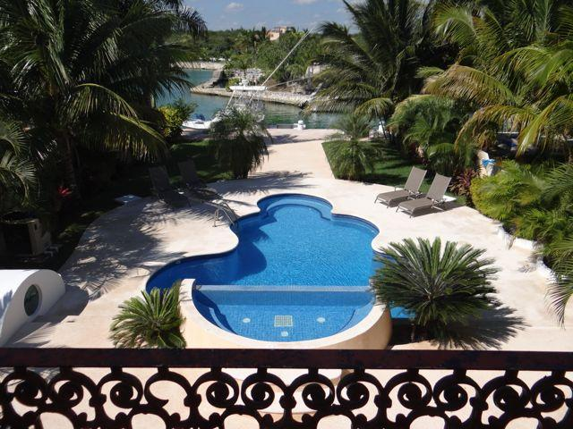 MASTER BALCONY VIEWS - Stunning 5/6 Spacious Waterfront Villa with Kayaks - Puerto Aventuras - rentals