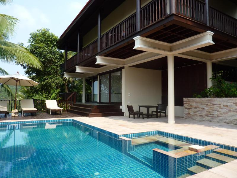 Impressive detached villa in beautiful grounds - Image 1 - Koh Phangan - rentals