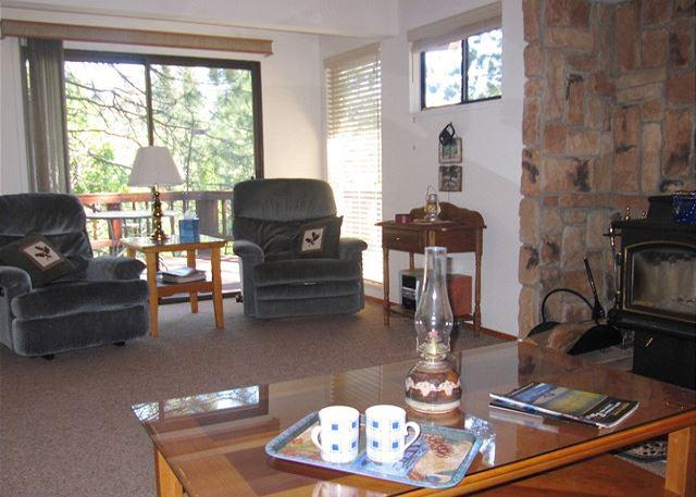 Comfortable, convenient Blue Lake Springs cabin - Image 1 - Arnold - rentals
