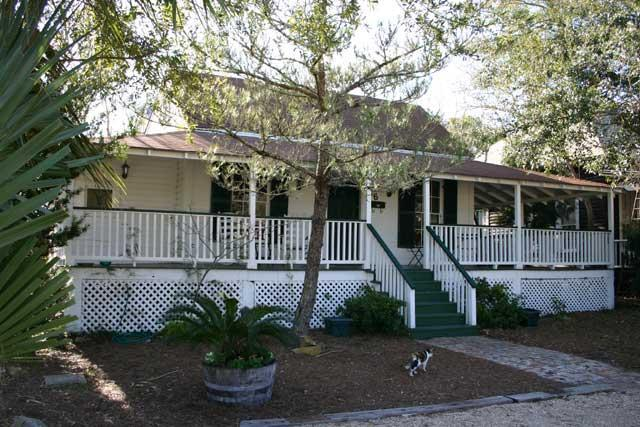 The Raney Guest Cottage - Image 1 - Apalachicola - rentals