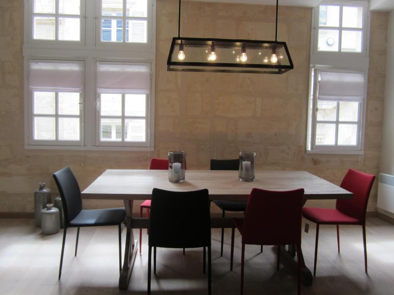 Dining Room - Very Nice and modern apartment in Bordeaux center - Bordeaux - rentals