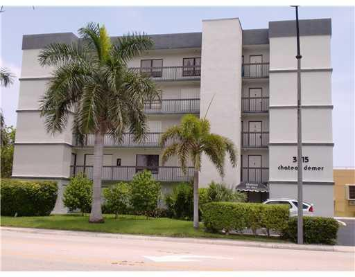 Hollywood Beach Designer Condo - Image 1 - Hollywood - rentals