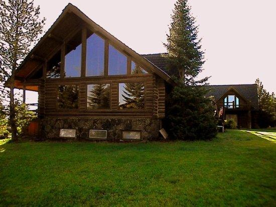 Village Green Lodge by Yellowstone National Park - Book now for Summer 2015 large groups ok - Image 1 - Island Park - rentals