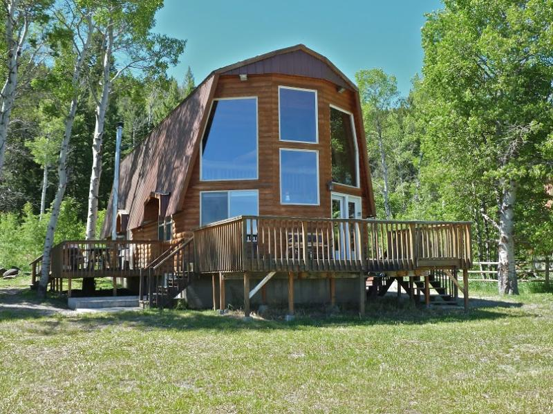 Redrock Retreat - Spectacular views of the Mountains and Henry's Lake - Image 1 - Island Park - rentals