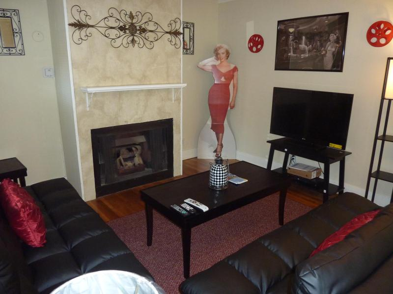 Hollywood Historic Charm Townhome - Image 1 - Los Angeles - rentals