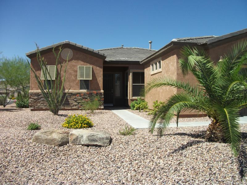 Front of House - Trilogy Resort Deluxe 2 Bed/2Bath w/private pool + hot tub - Peoria - rentals