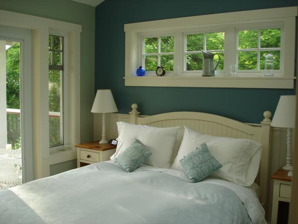 Mountain View Cottage - Master Bedroom - Mountain View Cottage - A private country retreat - Salt Spring Island - rentals