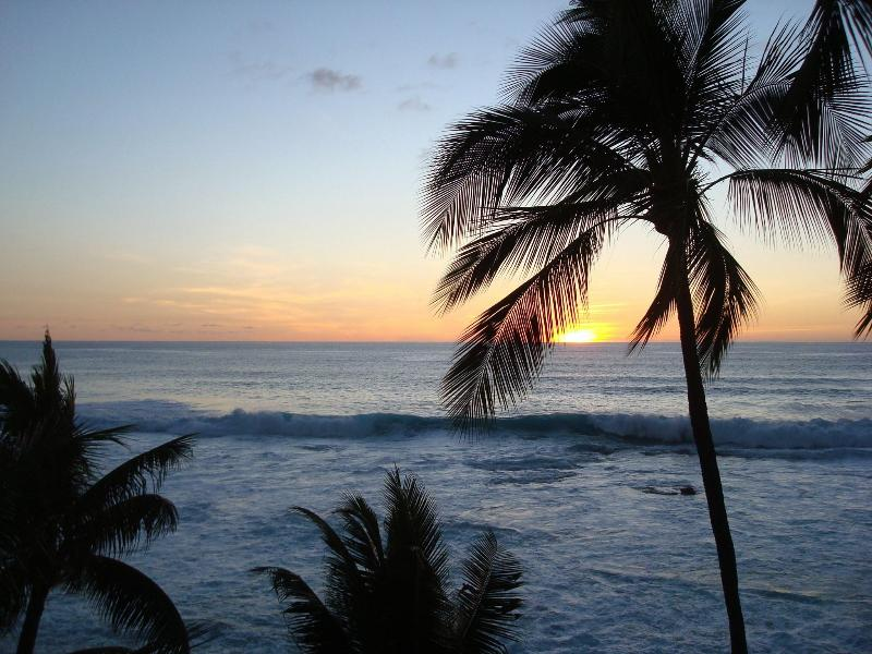 Sunset from the Lanai of the condo.  What a great place to dine or enjoy a Mai Tai - Fantastic Views: Kona Penthouse Ocean Front condo - Kailua-Kona - rentals