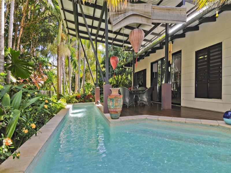 #1 Escape Villas - Book one or both Villas - Image 1 - Port Douglas - rentals