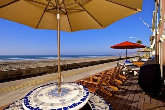 Large Front Deck for Jersey 1  Jersey 2  - Jersey 1 - Mission Beach 2BR Oceanfront Gem - San Diego - rentals