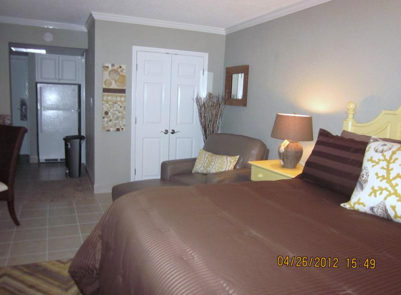 Stunning Renovated Ocean Front **KING BED** Suite - Image 1 - Myrtle Beach - rentals