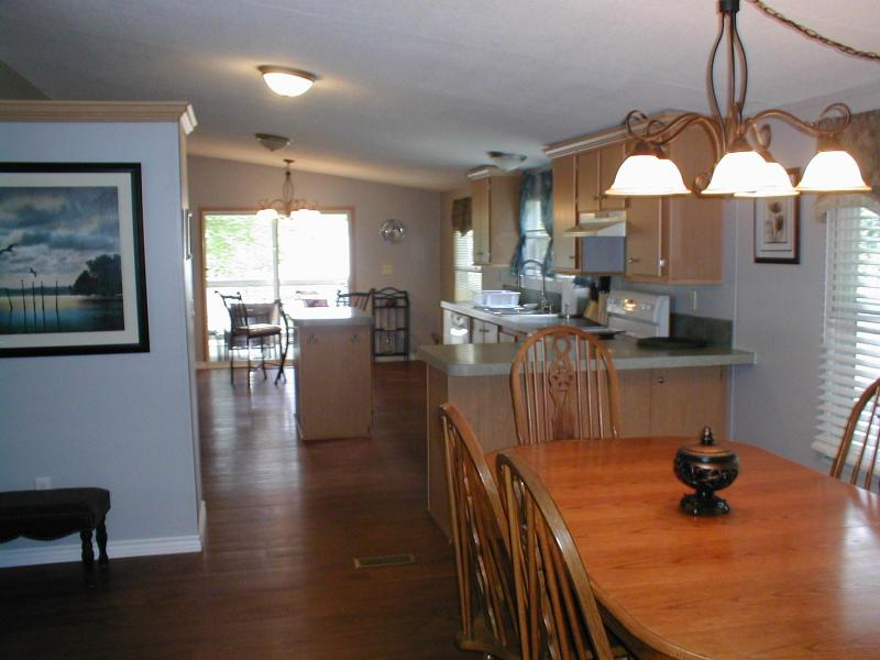 Main Living Area - 3/2 Canal Home $150/weekday-Discounted $950 weekly - Granbury - rentals