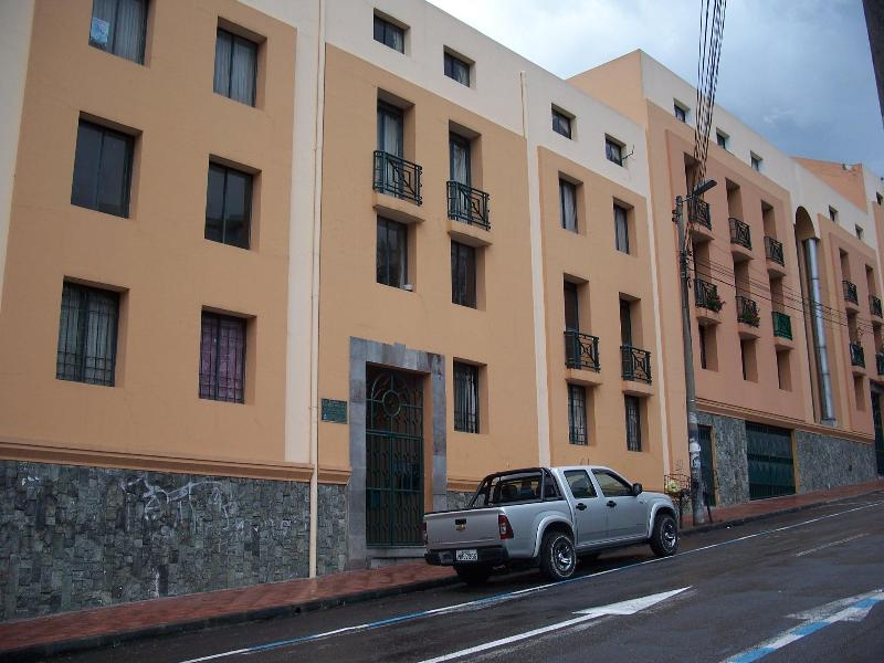 Briceno Street View - Location-Security-View at Edge of Colonial Quito - Quito - rentals
