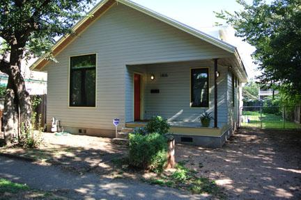 Main Exterior_1 - Charming Eastside House - Near Downtown - Austin - rentals