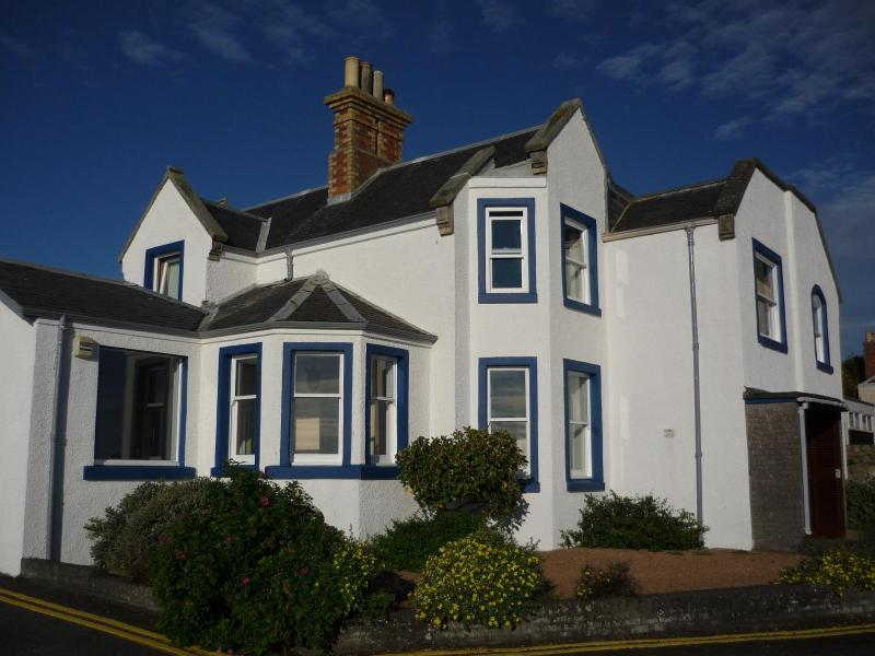 Old Admiralty House - 3 bed apt with stunning views in the Home of Golf - Saint Andrews - rentals