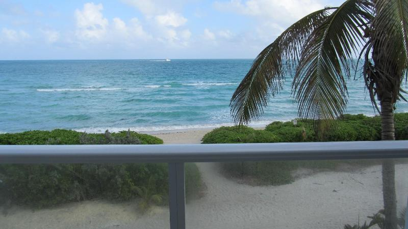 Amazing 2 Bedrooms Oceanview (sleep 8) W/ Parking - Image 1 - Miami Beach - rentals
