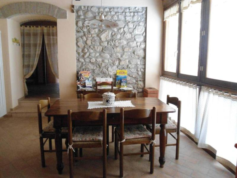 Italy-Lake Garda-Lovely self-catering apartement - Image 1 - Monzambano - rentals