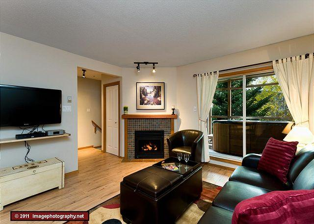48 Glaciers Reach this 2br home has a hot tub & pool in Whistler Village - Image 1 - Whistler - rentals