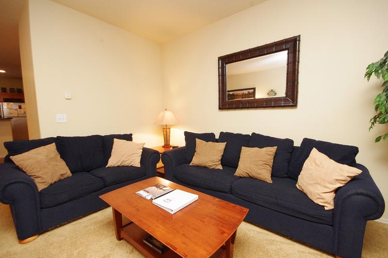 Living Room Sofas - Collins Lake Resort Pet Friendly,Ticket Savings! - Government Camp - rentals