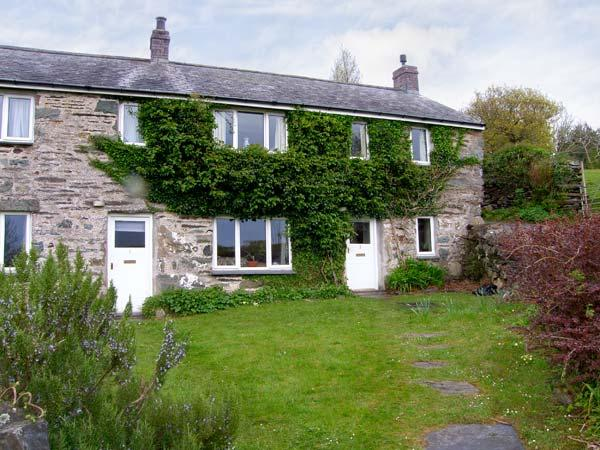 2 GROES NEWYDD pet friendly cottage, in elevated position in Harlech Ref 11143 - Image 1 - Harlech - rentals