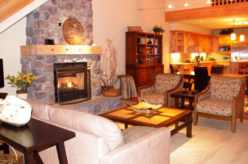 Living Room - Grand Lodges Penthouse- Summer Discounts! - Government Camp - rentals