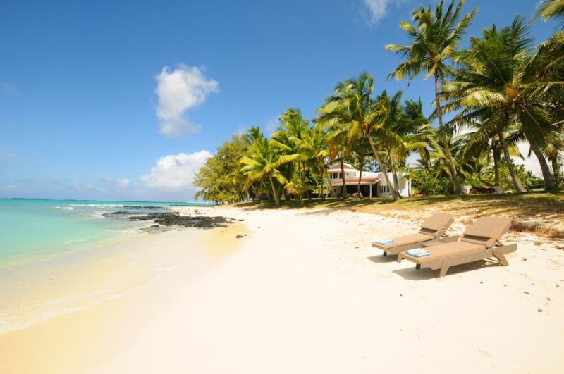 Villa Eva at mostly private beach next to golf - Image 1 - Belle Mare - rentals