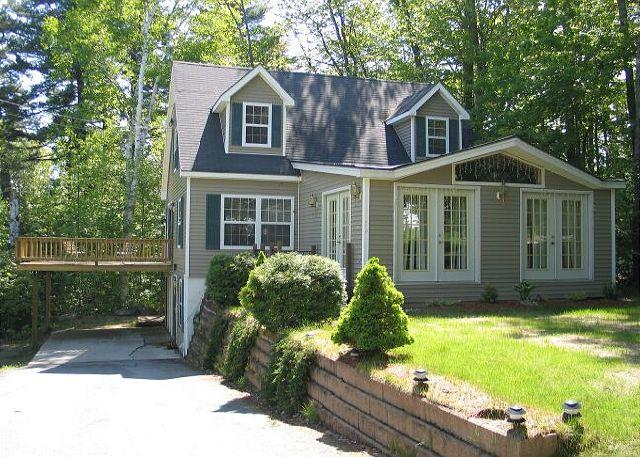 The Strawberry Lane Place professionally managed vacation rental home is nicely situated close to the end of its road. Strawberry Lane ends at Strawberry State Forest with trails great for evening strolls or daytime snow shoe treks into the forest. - Strawberry Lane Place - Bethlehem - rentals