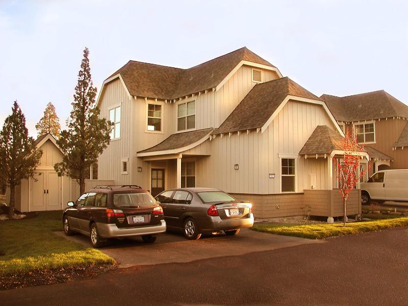 Desert Sky Home - Eagle Crest, Game Room, Spa, Wireless Internet - Redmond - rentals