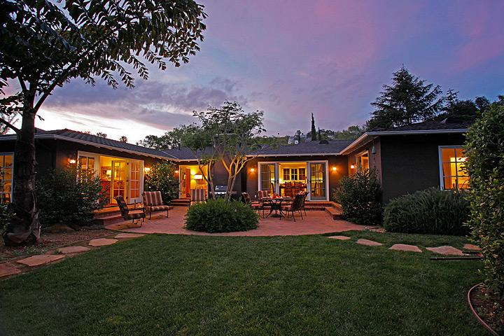 Serene peaceful setting on a private lane - Mission Gardens - Santa Barbara - rentals