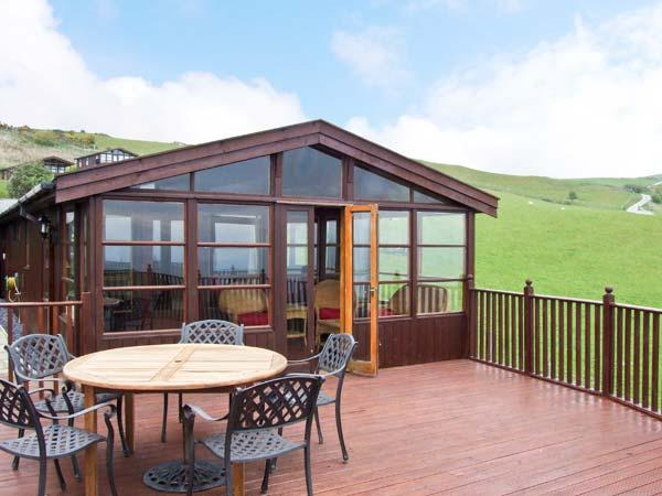 PENTREF, large family property, pet-friendly cottage, decked garden and outstanding views, in Aberdovey, Ref 16311 - Image 1 - Aberdovey - rentals