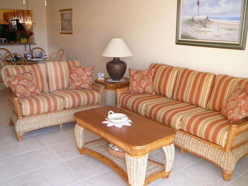 Living Room and Dining Room - St.Augustine Executive Condo-GET FALL DEALS NOW - Saint Augustine - rentals