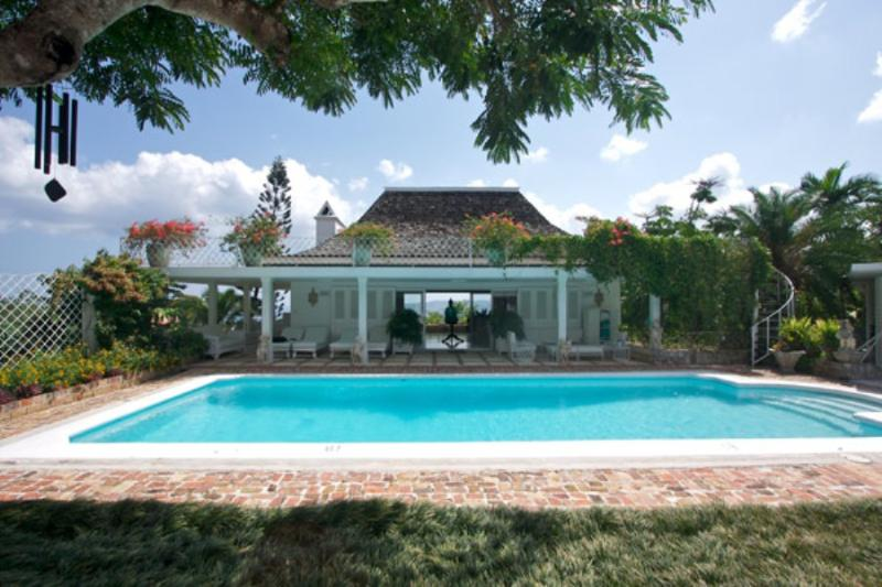 PARADISE PHH - 43603 - DISTINCTIVE CHARM | 6 BED VILLA | GYM | POOL | EXCELLENT SERVICE - MONTEGO BAY - Image 1 - Montego Bay - rentals