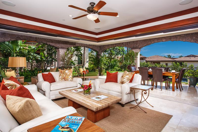 F102 Bali Hai Pool Villa - True Indoor/Outdoor Living with 3 Bedrooms in more than 3,000 Square Feet, Covered Veranda, Plunge Pool, Lawn, Garden, Potted Live Plants, and Grotto Shower. - Bali Hai Pool Villa F102 at Wailea Beach Villas - Wailea - rentals