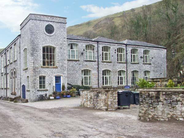 10 PHOENIX BUILDING, superb apartment with en-suites, and open plan living area, in Litton Mill, Ref 7823 - Image 1 - Buxton - rentals