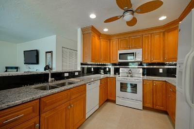 Kitchen - 209 69th B - Holmes Beach - rentals
