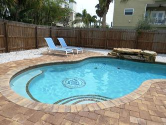 Pool lounges - Sea's the Day - 207 Coconut - Holmes Beach - rentals