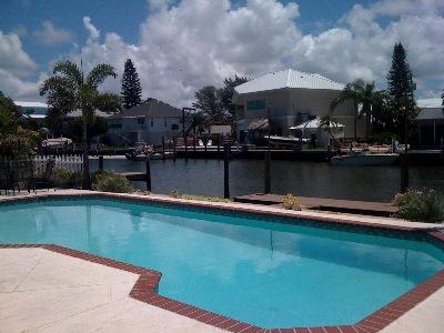Beautiful Pool Home w/ Boat Access - Jackie's Cottage-209 N Harbor - Holmes Beach - rentals