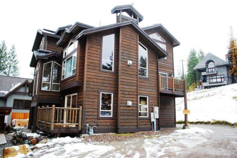 Outside view of home - 5bed/5ba + Bunk Rm, Ski-in/Ski-out Access, Hot Tub - Whitefish - rentals