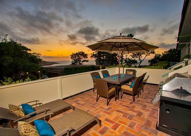 Ocean view patio is perfect for sunset dining. - #7931 - Lookout over Paradise - La Jolla - rentals