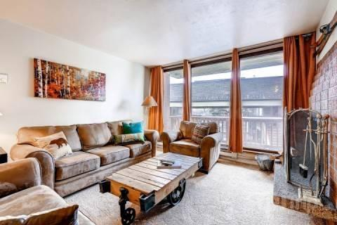 Comfortable and spacious Silvertown condo in downtown Park City features 3 Bedrooms / 2 Baths, wood burning fireplace and central location. - Silvertown - Park City - rentals