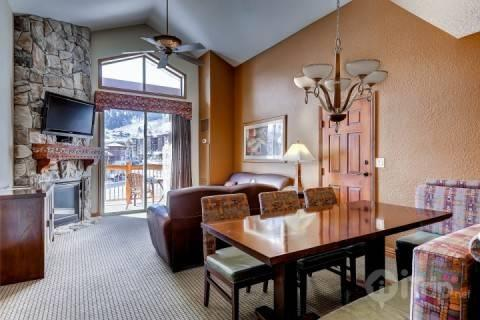 This Westgate Resort luxury and exclusive suite features 2 bedrooms, 2 baths, 2 kitchens and all the amenities you desire. - Westgate 2 Bedroom Penthouse - Park City - rentals