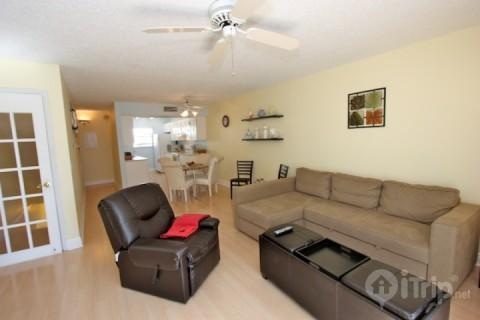 Indian Shores, FL. townhouse/vacation home-Two bedroom, two 1/2 bath - 121 Bayview Villas - Indian Shores - rentals