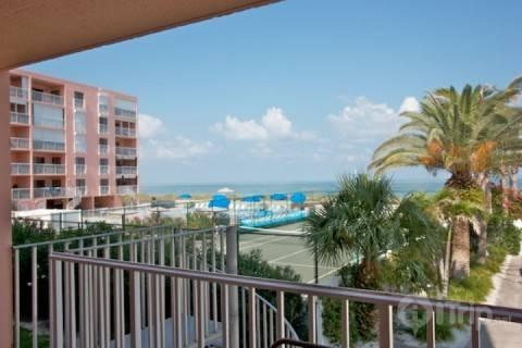 beachfront condo has everything you want in an Indian Rocks Beach/Clearwater vacation destination. The Reef Club has direct access to the beautiful wh - 111 Reef Club - Indian Rocks Beach - rentals
