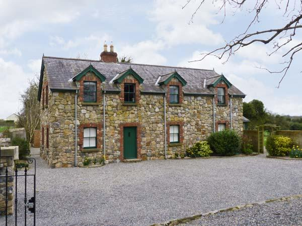 THE COTTAGE, family friendly, open fire and woodburning stove, large garden in Ballymahon, County Longford Ref 10758 - Image 1 - Ballymahon - rentals