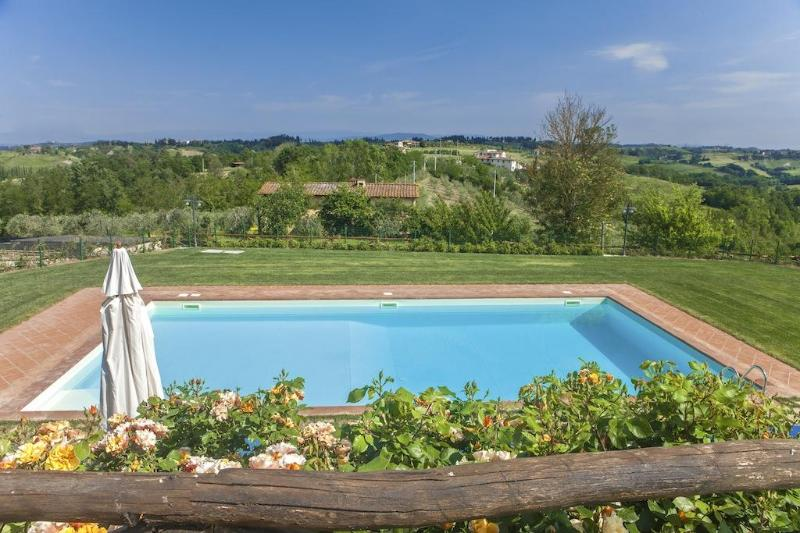 Pool with view - 2 bedroom with pool and amazing view - Castelfiorentino - rentals