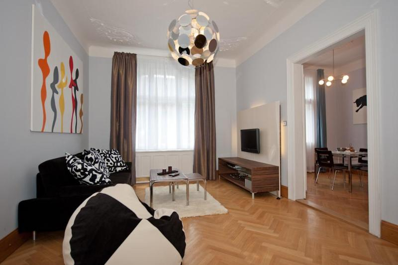 living room - Brehova 1bedroom apartment, heart of the Old Town - Prague - rentals