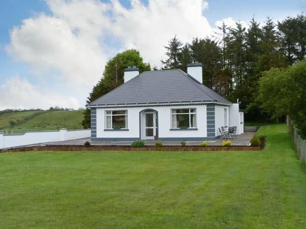 GREENACRES family friendly, all ground floor, open fire in Claremorris, County Mayo Ref 13169 - Image 1 - Claremorris - rentals