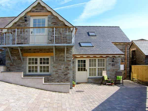 YSGUBOR ISAF, quality accommodation, en-suites, ground floor bedrooms, farm setting near Newcastle Emlyn, Ref 16579 - Image 1 - Newcastle Emlyn - rentals