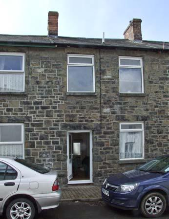MARKET COTTAGE, king-size bed, woodburning stove, pet friendly cottage in Builth Wells, Ref: 14028 - Image 1 - Builth Wells - rentals